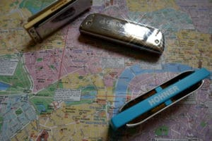 Read more about the article Comment lustrer, nettoyer, désinfecter, faire briller ses harmonicas Hohner ?